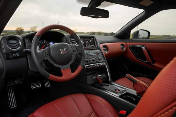2013 Nissan GT-R-6