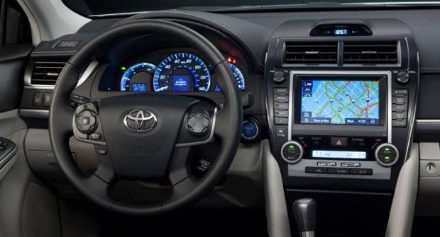 2013-Toyota-Camry-1