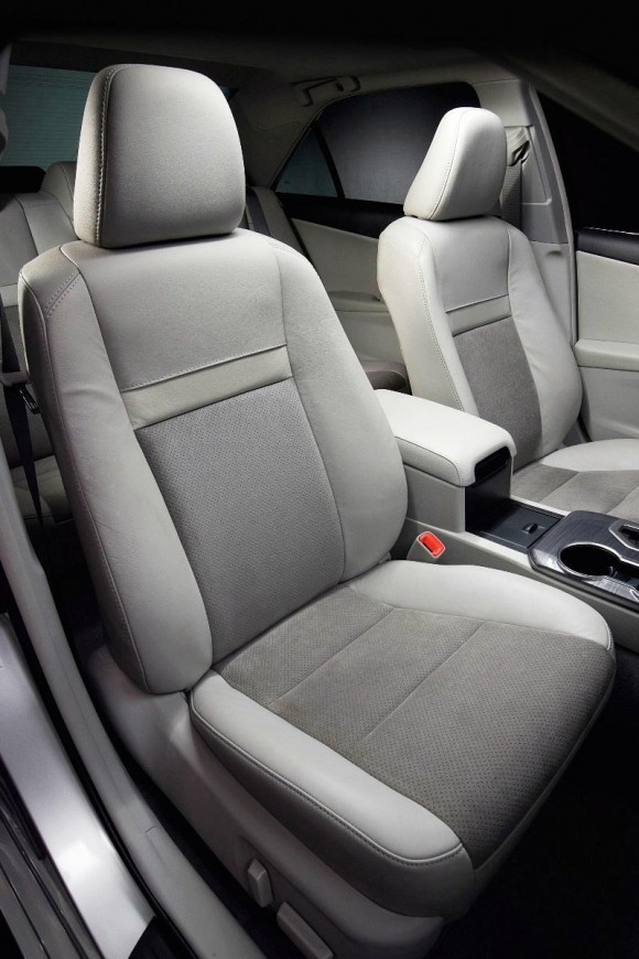 2013-Toyota-Camry-3