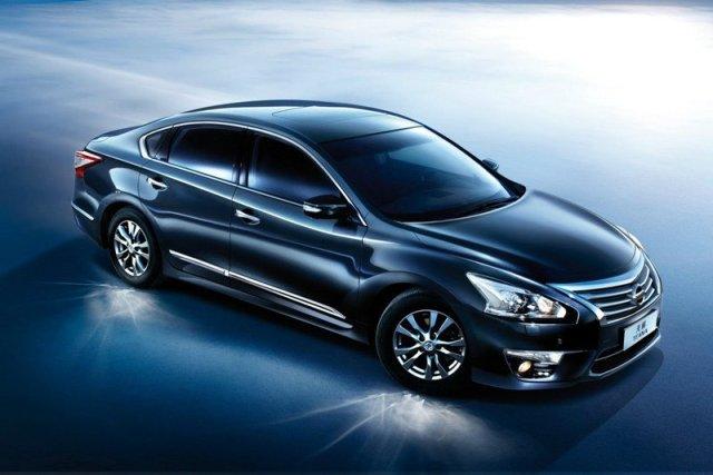 2014-Nissan-Teana-1