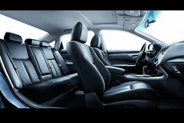 2014-Nissan-Teana-2