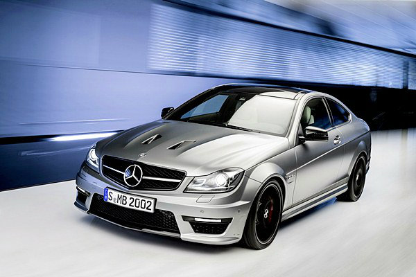 Mercedez-Benz-C63-AMG-Edition-507