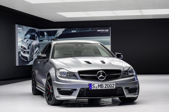 Mercedez-Benz-C63-AMG-Edition-507_4