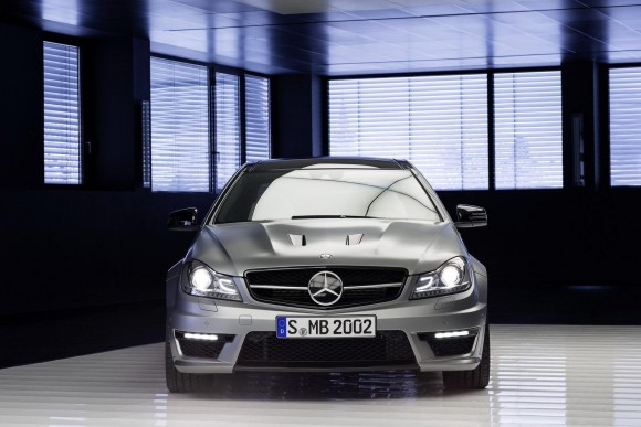 Mercedez-Benz-C63-AMG-Edition-507_5
