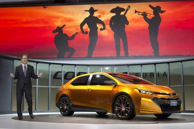 New-Toyota-Altis-2013-2