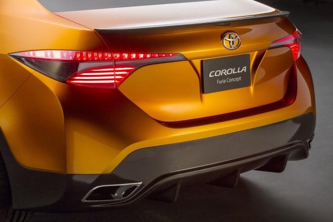 New-Toyota-Altis-2013-4