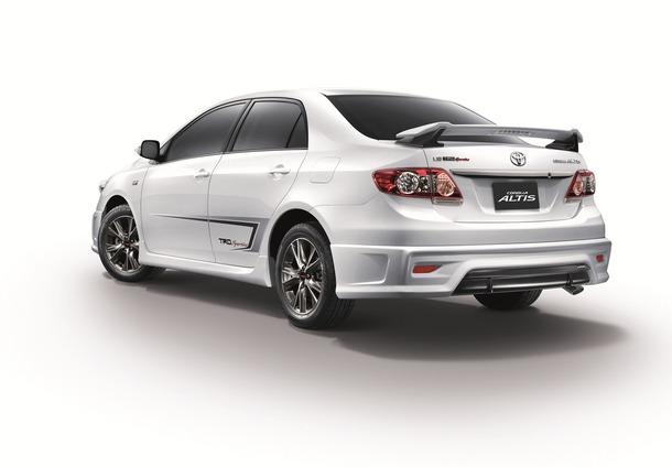 Toyota-Corolla-Altis-TRD-Sportivo-1