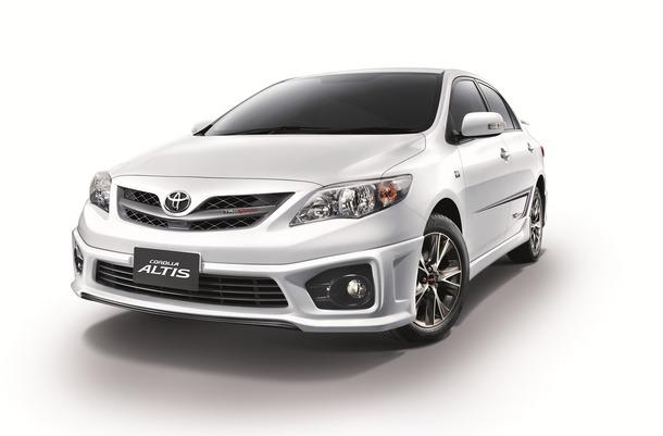 Toyota-Corolla-Altis-TRD-Sportivo
