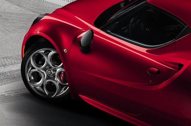 Alfa-Romeo-4C-3