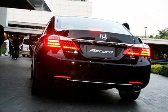 new-honda-accord-2013-10