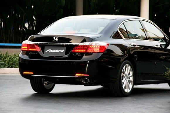 new-honda-accord-2013-16