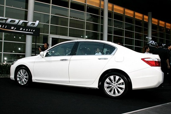 new-honda-accord-2013-4