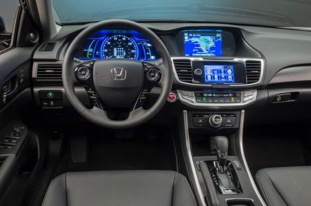 honda-accord-hybrid-2014-us-version-04