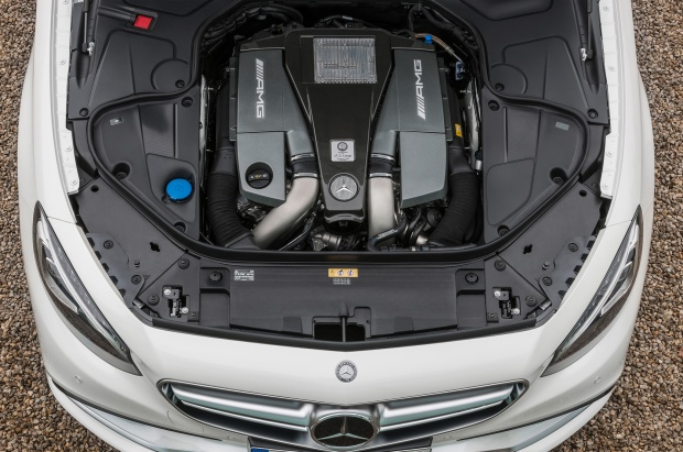 Mercedes-Benz-S63-AMG-Coupe-2015-13