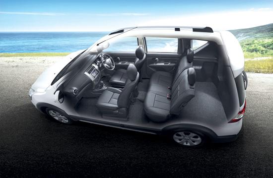 Nissan-Livina-2014-12