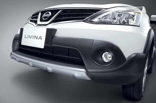 Nissan-Livina-2014-4