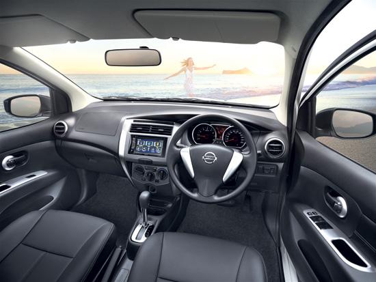 Nissan-Livina-2014-7