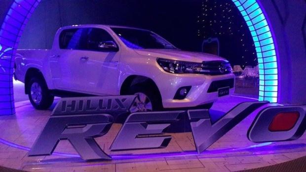 Toyota-Revo-2