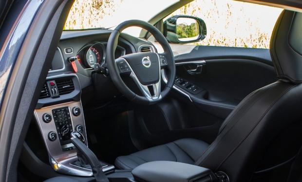 volvo-v40-xc-d4-2016-interior.jpg