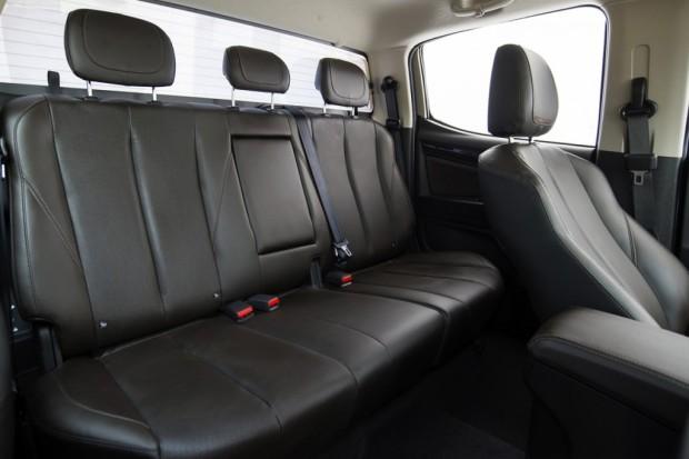 2017-New-Chevrolet-Colorado-Interior-2