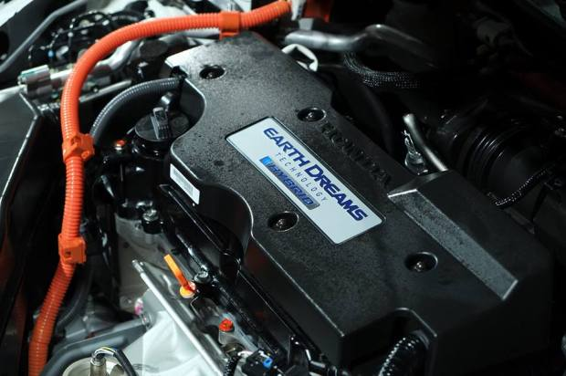 honda-accord-hybrid-2016-engine