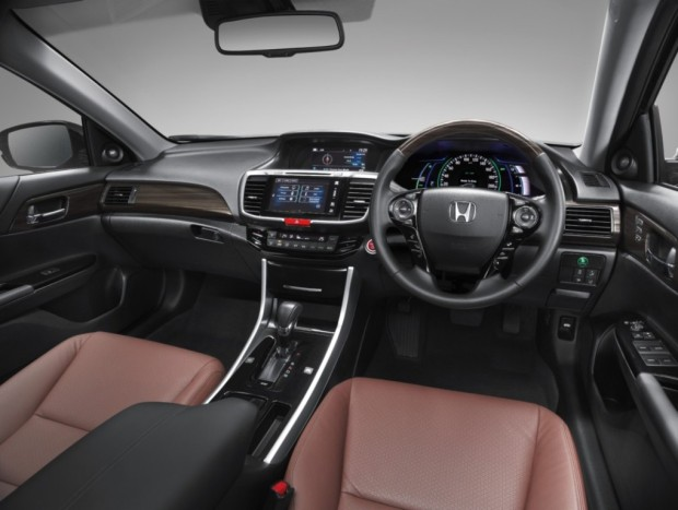 honda-accord-hybrid-2016-interior